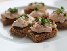 Salmon, cream cheese canapés with chives - on McCambridge Bread - Now available in USA! Soda Bread, Canapes, Baked Potato, Salmon, Irish, Cheese, Cream, Baking, Usa