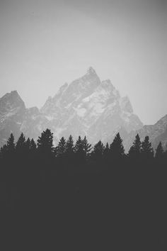black and white#6 Mountains️