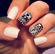 Christmas Nails #nails #nailart #beautyinthebag