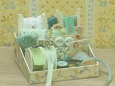 Nostalgie in 1zu12 von michaelas-miniaturen green sewing kit