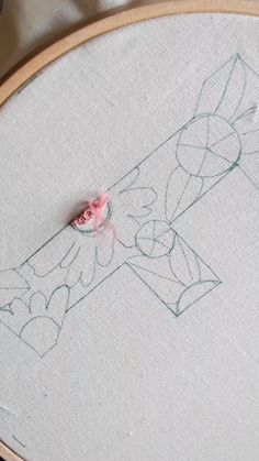 Hand Embroidery Patterns Flowers, Hand Embroidery Videos, Embroidery Stitches Tutorial, Embroidery Techniques, Embroidery Kits, Hand Embroidery Art, French Knot Embroidery, Embroidery Letters, Butterfly Embroidery