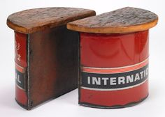 International Side Tables with Reclaimed Wood Tops // by ben gatski Metal Furniture, Industrial Furniture, Car Furniture, Recycled Furniture, Welding Projects, Diy Projects, Trash To Treasure, Reclaimed Barn Wood, Oeuvre D'art