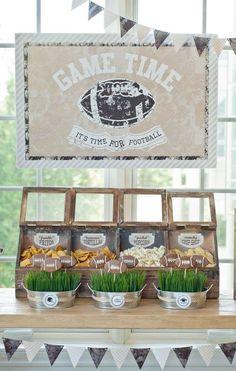 Cute vintage snack bar setup for a Super Bowl party. Source by kfer Football Wedding, Football Birthday, 3 Year Old Birthday Party Boy, 60th Birthday, Birthday Cakes, Football Themes, Football Parties, Football Stuff, Football Food