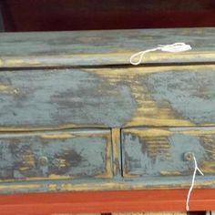 (30) Olde Crow Antiques & Primitives