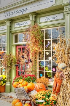 First of all, I freaking love this, second of all corn stalks on either side of the front door!