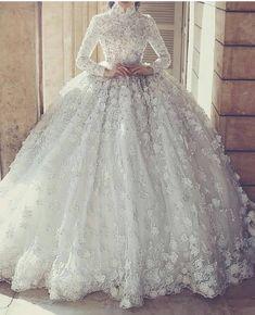 #عرس #زفاف  #weddingdress #weddingfashion #brideshoes #weddingshoes #fashion #instafashion #fashionista #fashionable #weddingdecor…