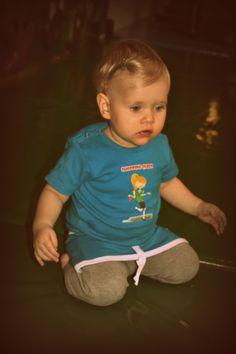 Bella Bambini Shopping Queen Shirt korte mouwen afgewerkt met strass steentjes Rokjes verkrijgbaar in diverse kleuren en maatvoering Baby 50/56 t/m 86/92 Kids 98 t/m 152