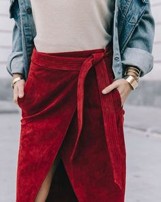 Collage Vintage Visual Story, Velvet Skirt, Red Velvet, Collage Vintage, Red Skirts, Pretty Outfits, Pretty Clothes, Outfit Goals, Winter Looks