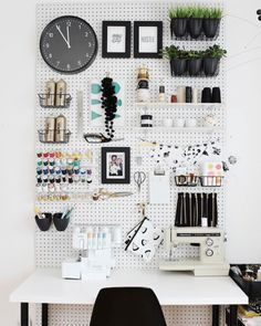 Pegboard: it's not just for garages anymore! Pegboard is endlessly useful, and can help you solve just about any of your most vexing organizing problems. Check out these 12 genius ideas for using pegboard to get organized! Sewing Room Organization, Craft Room Storage, Organizing Ideas, Craft Rooms, Storage Ideas, Bedroom Storage, Pegboard Craft Room, Ikea Pegboard, Studio Organization