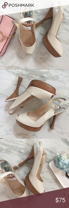 "{Michael Kors} Belinda Sling Platform Heel A classic nude platform heel. A must for every heel lover, these beauties will go with everything.   c o n t e n t + leather  c o l o r + Nude  m e a s u r e m e n t s ✂️ + 5"" heel + 1"" platform   p a i r  w i t h 🌙  + pencil skirts   + Skinny jeans 💵 bundle for a discount Michael Kors Shoes Heels"