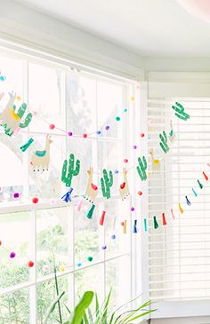 The Cutest Llama Llama Birthday Party - Kindergeburtstage - Baby Llama Birthday, Girl First Birthday, Birthday Fun, First Birthday Parties, First Birthdays, 12th Birthday Party Ideas, Cute Llama, Llama Llama, Party Girlande
