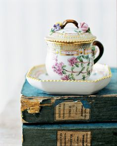Flora Danica from Royal Copenhagen #porcelain #shabbychic