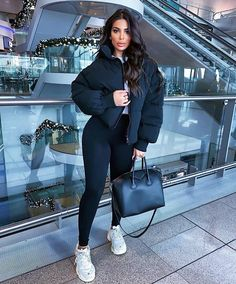Top and Latest Fashion Trends and Ideas to Try for Women and Girls. Cute Comfy Outfits, Chill Outfits, Sporty Outfits, Mode Outfits, Classy Outfits, Stylish Outfits, Vintage Outfits, Casual Bar Outfits, Baddie Outfits Casual
