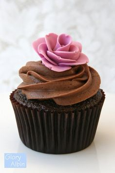 Glorious Treats » {Recipe} Perfectly Chocolate CupcakePerfect chocolate cupcake.