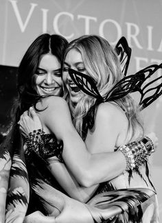 Victoria's secret angels ánd best friends Gigi Hadid & Kendall Jenner