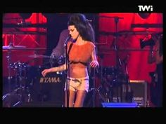 Amy Winehouse - Back to Black amazing live performance! - YouTube