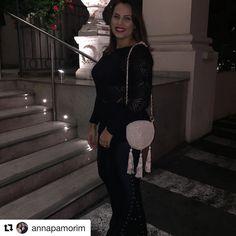 """18 curtidas, 1 comentários - Rosa Flor Crochê (@rosaflorcroche) no Instagram: """"#Repost @annapamorim (@get_repost) ・・・ Bolsa de crochê sob encomenda. Rosa flor croche…"""""""