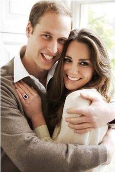 super cute, engagement photo idea