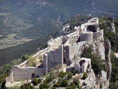 château de Peyrepertuse - forteresse cathare ,Duilhac-sous-Corbieres, Aude, Languedoc-Roussillon