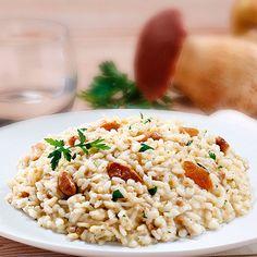 Risotto ai soli funghi porcini trifolati in olio extra vergine d'oliva, aglio e prezzemolo