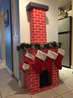 Creative Christmas Wrapping Ideas for Kids ~ anaksehat.site Creative Christmas Wrapping Ideas for Kids ~ anaksehat. Diy Christmas Fireplace, Christmas Mantels, Fireplace Ideas, Grinch Christmas, Christmas Home, Christmas Salon, Vintage Christmas, Christmas Holidays, Office Christmas Decorations