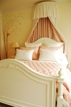if im ever blessed with a little girl this is the color scheme of her room!