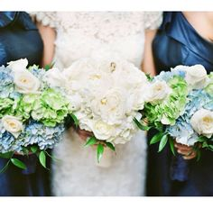 Ashley's wedding is coming soon to the blog! Love this color palate and this photo from Marissa Lambert Photography! #neworleanswedding
