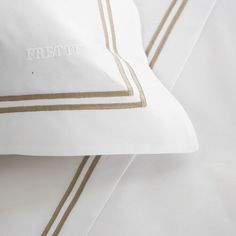 The Hotel Classic Sham from Frette features crisp cotton percale and is embroidered with two distinctive borders. Plush and soft to the touch, the luxurious sham transforms your nightly routine into an extraordinary affair. Classic Baths, Percale De Coton, Fine Hotels, Cozy Bed, White Beige, Bed Styling, Classic Collection, Classic White, Accessories