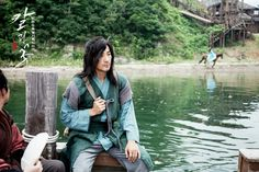 """The Blade and Petal(Hangul:칼과 꽃;RR:Kalgwa kkot; lit. """"Sword and Flower"""") is a 2013 South Korean television series that aired onKBS2.Kim Ok-binandUhm Tae-woongplay star-crossed lovers doomed by their fathers' epic battle for political power during theGoguryeodynasty.["""