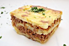 Potato and meat casseroles Wok, Romanian Food, Superfoods, Lasagna, Quiche, Cheesecake, Potatoes, Cooking, Breakfast