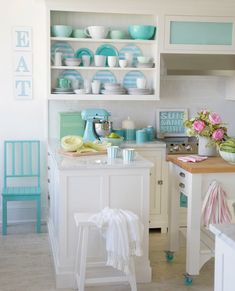 Designer Tracey Rapisardi on How to Achieve the Coastal Cottage Look Coastal Cottage, Coastal Homes, Bed Unit, Bead Board Walls, Built In Bed, Bedroom Seating, Slipcovers For Chairs, Chair And Ottoman, Nooks