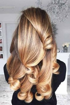 Amazing Blonde Locks Balayage Blond, Hair Color Balayage, Blonde Brunette, Brunette Haircut, Balayage Highlights, Hair Colour, Straight Hairstyles, Cool Hairstyles, Hairstyle Ideas