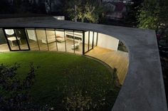 Egg House, A Fantastic Circular Residence in Prague - http://freshome.com/2010/02/09/egg-house-a-fantastic-circular-residence-in-prague/