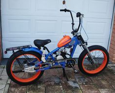 Photos of custom motorized bicycles.See OCC Schwinn Stingray choppers we've motorized.Also rat rods & cruisers, e-bikes or ones with gas and electric motors. Bicycle Engine Kit, Tricycle Bike, Chopper Bike, Mini Chopper, Motorised Bike, Motorized Bicycle, Car Design Sketch, Gas And Electric, Motorcycle Style