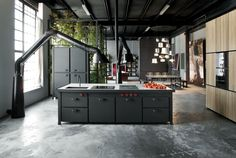 Industrial kitchen - Roomed