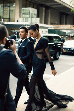 fromme-toyou:    Capturing the moment.  Designer Prabal Gurung (one of my personal favorites!) arriving at the CFDA with Zoe Saldana.