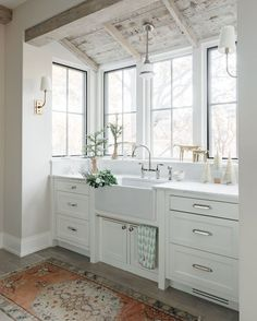 Kate Marker Interiors is a residential interior design studio serving the Chicago area. Modern Farmhouse Kitchens, Home Kitchens, Home Decor Kitchen, New Kitchen, Kitchen Trends, Marker, New Homes, House Design, Design Design