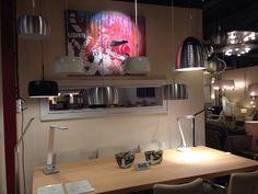 LED Bureaulamp, wandlamp. Een lamp met vele mogelijkheden! Deze zwarte led lamp is praktisch en veelzijdig in gebruik. Deze lamp wordt geleverd met drie bevestigingen: een voet, een klem voor aan een bureau, en een wandbevestiging. Het kapje is draaibaar en kantelbaar zodat u de lichtbundel geheel naar wens kunt richten.  Ook hanglampen industrieel .  Voor bureau , kantoor , bedrijf . Home interior lights / ONLINE SHOP : click on this LINK ( www.rietveldlicht.nl ) Verzendkosten gratis .