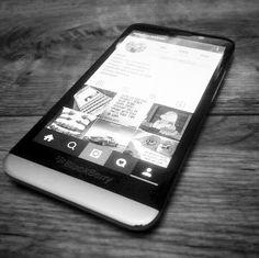 #inst10 #ReGram @abdo_elbarissi: #blackberry #Z30 #bbm #pin #phone #my #BRO #man #women #like #life #amizing #free_stayle  #mobile #instagram #profile #بلاك_بيري # @instagram #likes @blackberryclubs @confidencebusiness #BlackBerryClubs #BBer #BlackBerryPhotos #BlackBerryZ30 #Z30