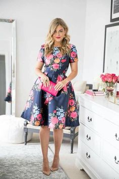 Adorable And Elegant Fashion For Fall With Flower Dress Style 15 Mode Outfits, Night Outfits, Dress Outfits, Flower Dresses, Pretty Dresses, Beautiful Dresses, Modest Fashion, Fashion Dresses, High Fashion