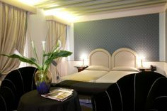 Monaco & Grand Canal Hotel in Venice - Junior Suite Conference Facilities, Grand Canal, Travel Agency, Italy Travel, Monaco, Guest Room, Family Travel, Venice, Luxury