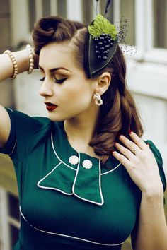 Interesting hair ideas (not all from the 40s), but lots of ideas- click link!