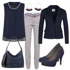 Schicker Bürolook aus blauem Blusentop, blauem Blazer und blauen Pumps... #mode #damenmode #frauenmode #outfit #damenoutfit #frauenoutfit #fashion #fashionista #frühling #2018 #trend2018 #inspiration #outfitinspo #casual #cool