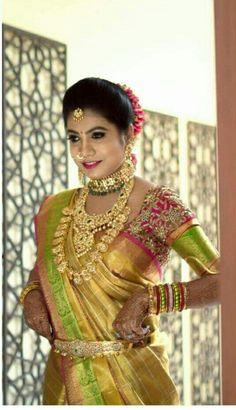 Braid with fresh jasmine flowers. Bridal Looks, Bridal Style, Wedding Sari, Wedding Bride, Wedding Gold, Wedding Bells, Bridal Silk Saree, Silk Sarees, Indiana