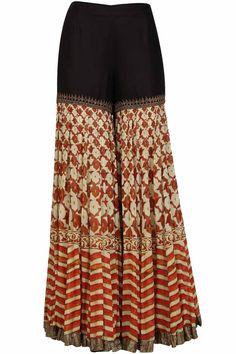 Anand Kabra presents Black embroidered straight long kurta with digital print gharara available only at Pernia's Pop Up Shop. Sharara Designs, Kurti Designs Party Wear, Stylish Dress Designs, Designs For Dresses, Stylish Dresses, Dress Indian Style, Indian Outfits, Fashion Pants, Fashion Dresses