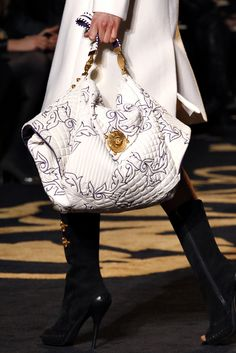 Versace Fall 2011 Ready-to-Wear - Details - Gallery - Style.com
