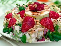 El verano y las ensaladas frías son una perfecta combinación para combatir el calor. ¿Qué te parece una #ensalada de fresones con queso Idiazábal?.