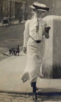 c. 1905-1908 The Edwardian Sartorialist Capturing the style of the London streets more than a century ago
