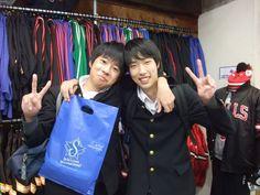 【新宿2号店】 2012年11月4日 シミズくんとサクライくんです。  お二人ともとても仲良くお買い物を楽しんでおられました!