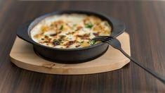 Gnocchi zapekané s bryndzou a slaninkou | Recepty.sk Gnocchi, Cheeseburger Chowder, Soup, Basket, Soups